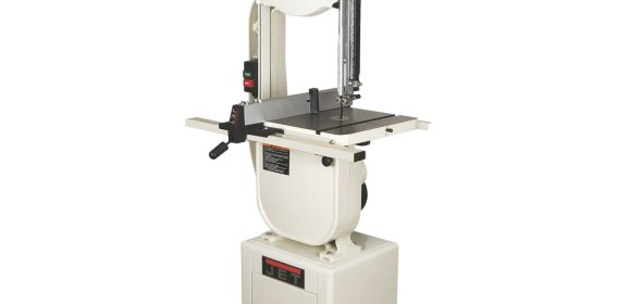 Guide and Practical Instructions on How to Use a Bandsaw