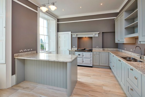 The oak fitted kitchen