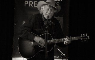 Ramblin' Jack Elliott at Hopmonk Tavern Novato, by Carolyn McCoy
