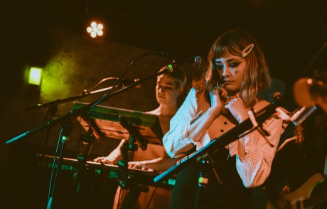 Photos: Alexandra Savior at Cafe du Nord