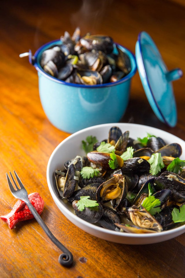 Big Green Egg Thai Green Curry Mussels