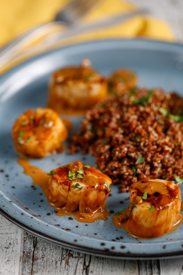 Seared Sea Scallops in Red -- scallop recipes