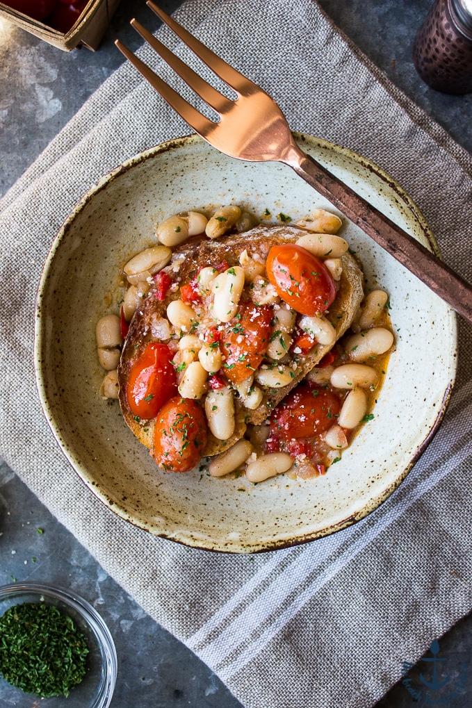And White Ragout Tomato Bean