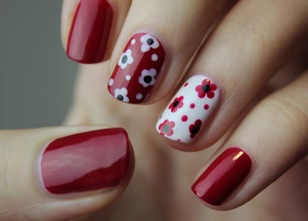 Nail Art Manicure Nails Nail Polish  - Mountainbeehive / Pixabay