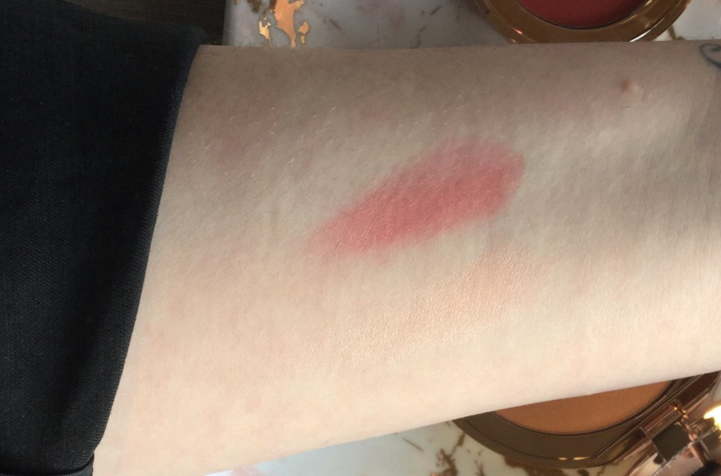 Swatches Colour Of Youth - Lip & Cheek Colour, Dreamy Glow Highlighter