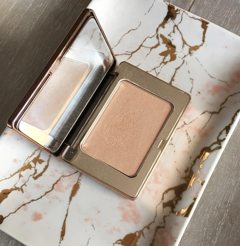 Natasha Denona All Over Glow Face & Body Shimmer in Powder 01 Light