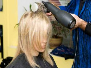 3 tips on how to blow dry your hair like a stylist the beauty box salon