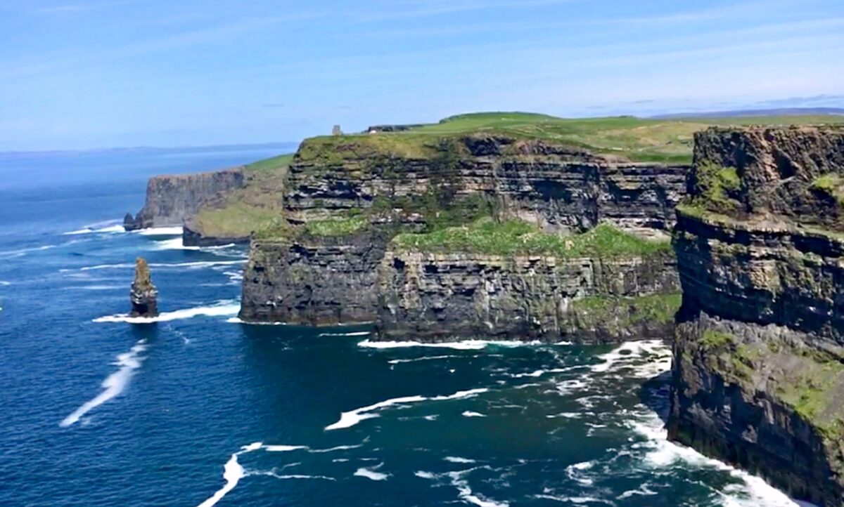 best scenic drives in Ireland - Cliffs on the way to Loophead