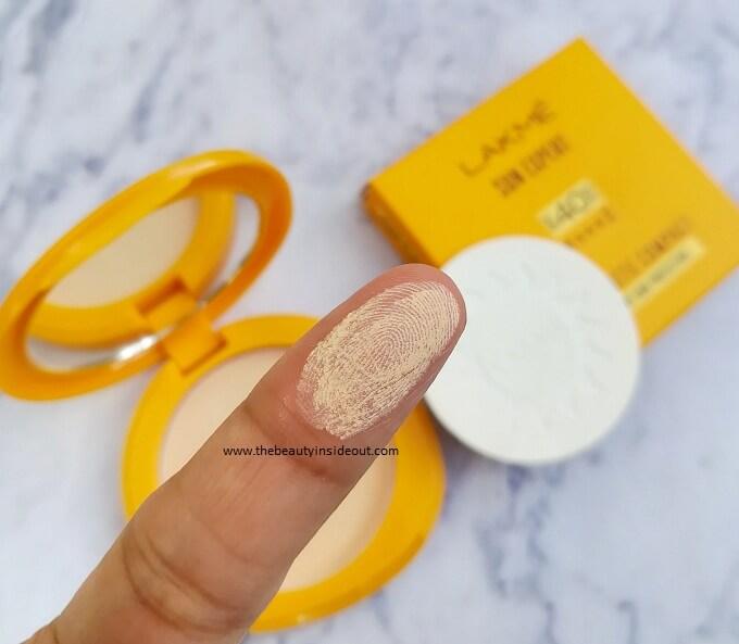 Lakme Sun Expert Ultra Matte Compact Texture