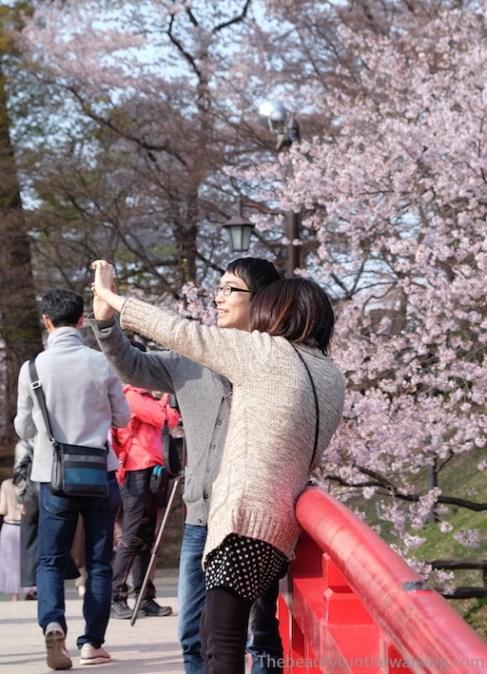 Selfie dans le parc du château d'Hirosaki