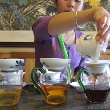 cérémonie du thé, Yunnan, Chine