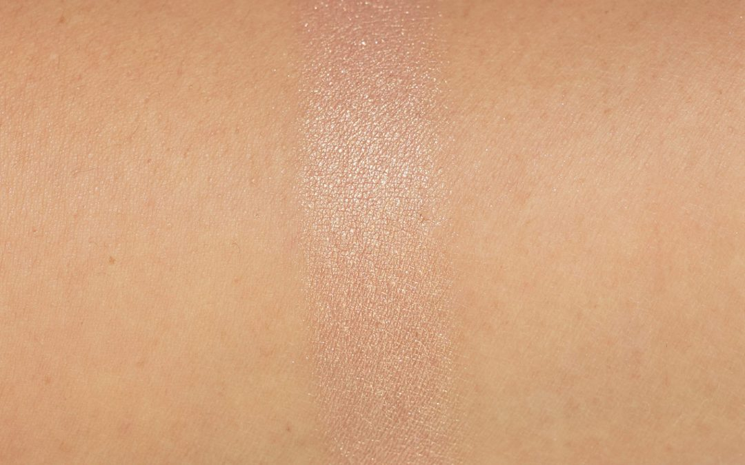Pat McGrath Divine Rose Skin Fetish Ultra Glow Highlighter swatch