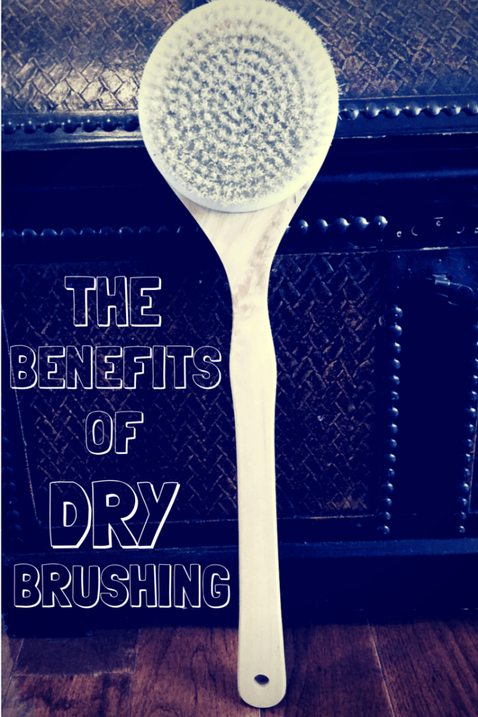 There are so many benefits to dry brushing, so great that everyone should be doing this a few times a week.
