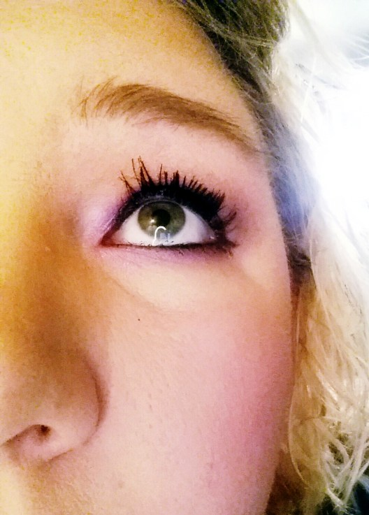 Want Longer Fuller Lashes? Follow this easy and quick DIY tutorial to make your own Lash Serum!