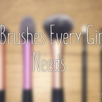 5 Makeup Brushes Every Girl Needs