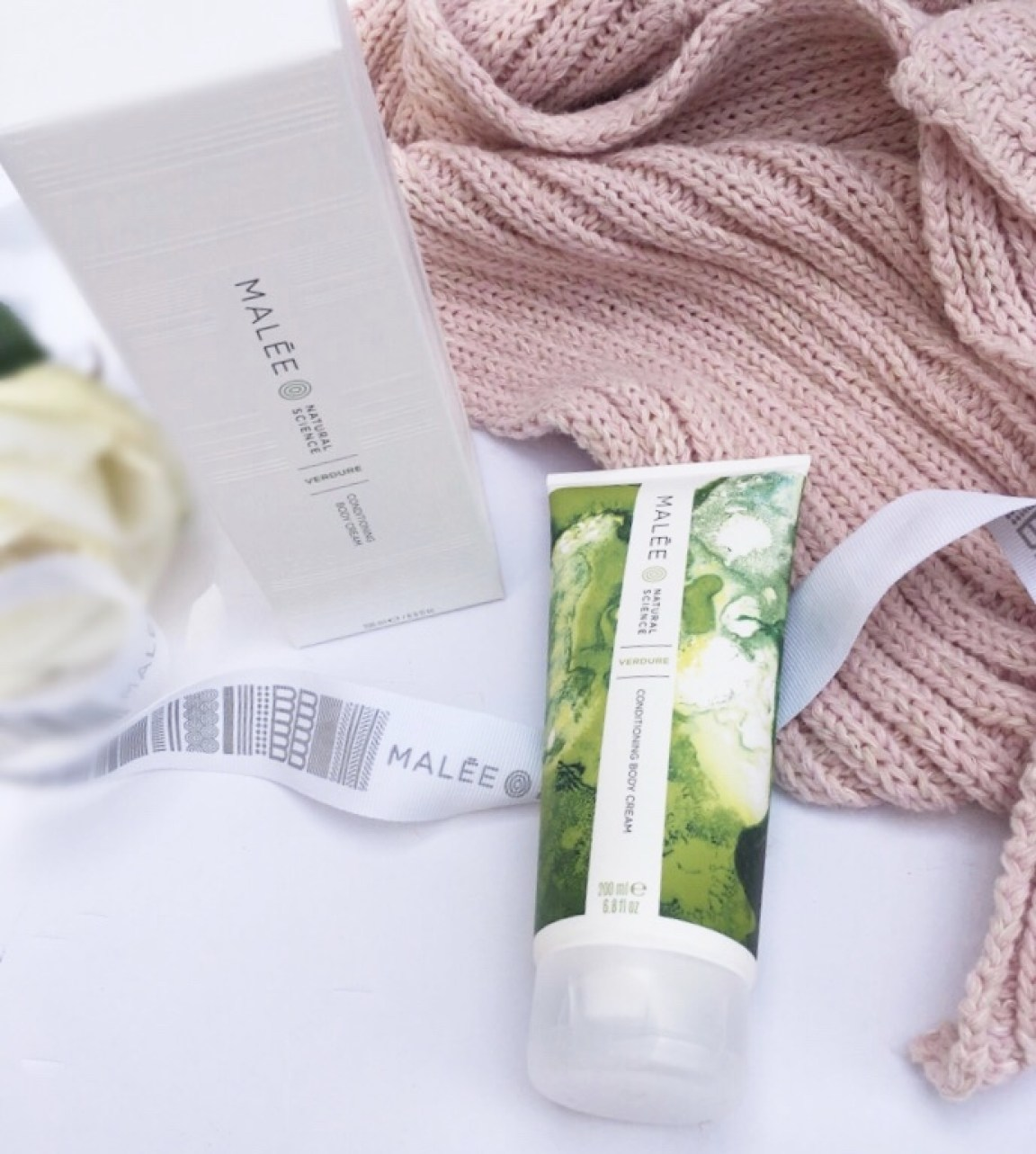 malée conditioning body cream with box