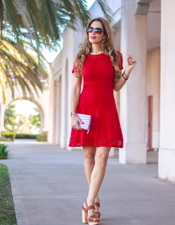 LADY IN RED // SPRING DRESS THAT FLATTERS