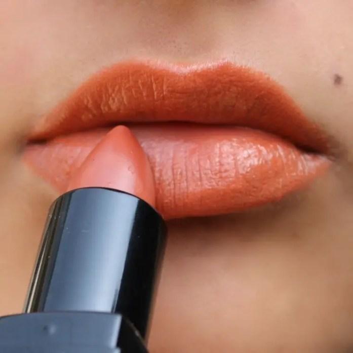 Star Struck Lipstick Caramello Lip Swatch