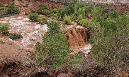 Tourists Flee Flash Flooding Near Grand Canyon