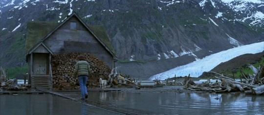 Lake_Kgun_cabin