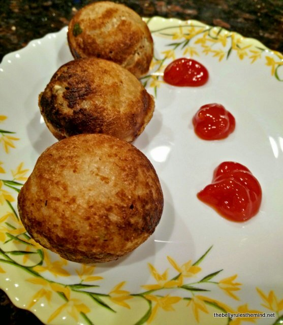 Bread rolls made in appe pan