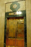 Art Deco lift - lobby of Édifice Aldred