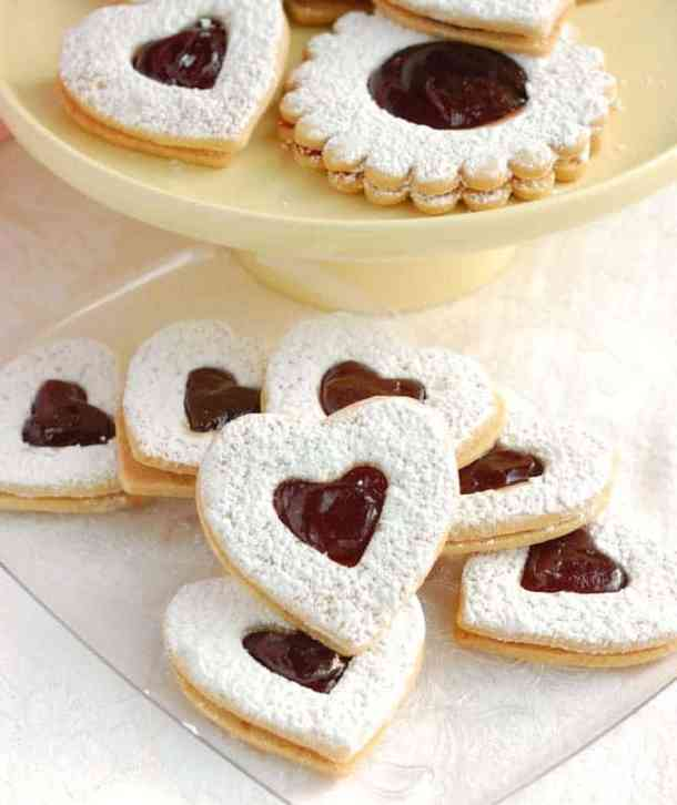 Raspberry Linzer Cookies -- Part of the Best Valentine's Day Cookies
