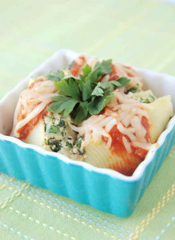 Turkey and SPinach Stuffed Shells--Part of The Best Pull Stuffed Shells Recipes