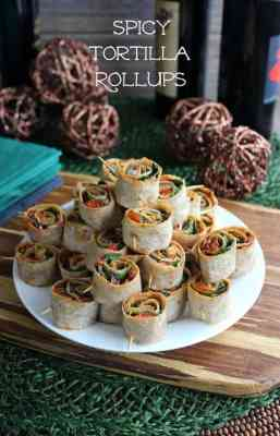 These Spicy Tortilla Rollups make the perfect appetizer, after school snack or lunch on the go! | Featured on The Best Blog Recipes
