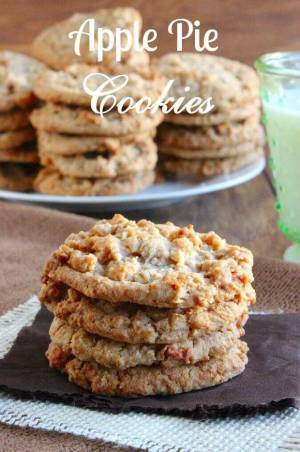 APPLE PIE COOKIES -- They're also soft, sweet and chewy all in one little package that your family is sure to go crazy for! | Featured on www.thebestblogrecipes.com
