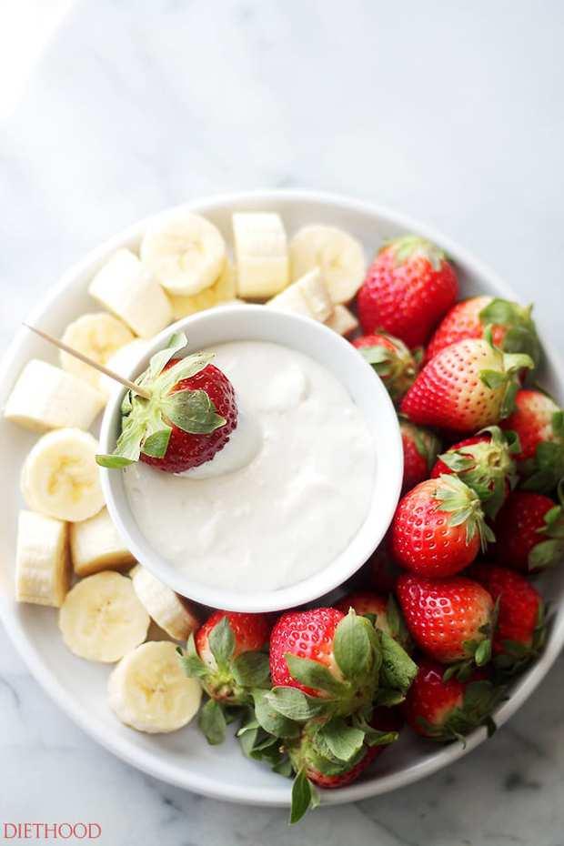 Cream Cheese Fruit Dip – Delicious, lightened-up creamy fruit dip made with cream cheese and plain yogurt. Simple, yet SO GOOD!