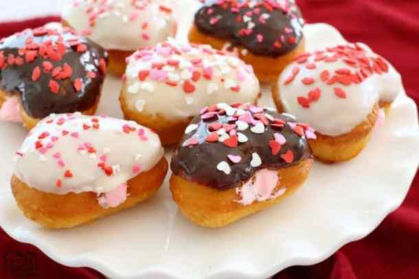 Easy Valentines Donuts -- Part of the Valentines Day Dessert
