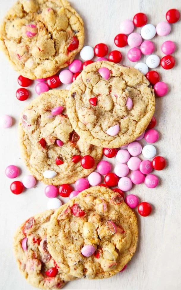 Valentines Day M&M Cookies -- Part of the Valentines Day Dessert