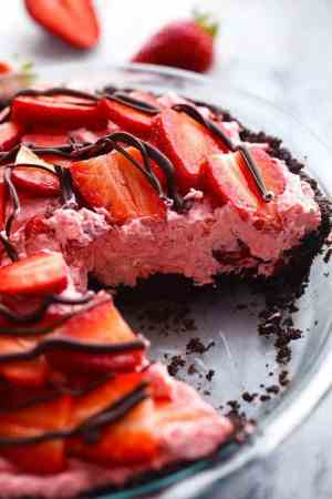 No Bake Chocolate Strawberries and Cream Pie