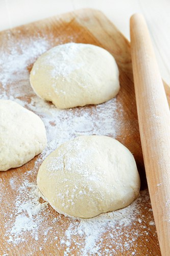 This olive oil dough recipe is ridiculously easy to make.