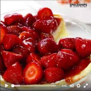 VIDEO: Strawberry Cheesecake Pie