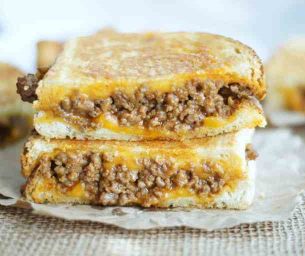 14 Sloppy Grilled Cheese Sandwiches21+ Grilled Cheese Sandwiches that your family will go CRAZY for!