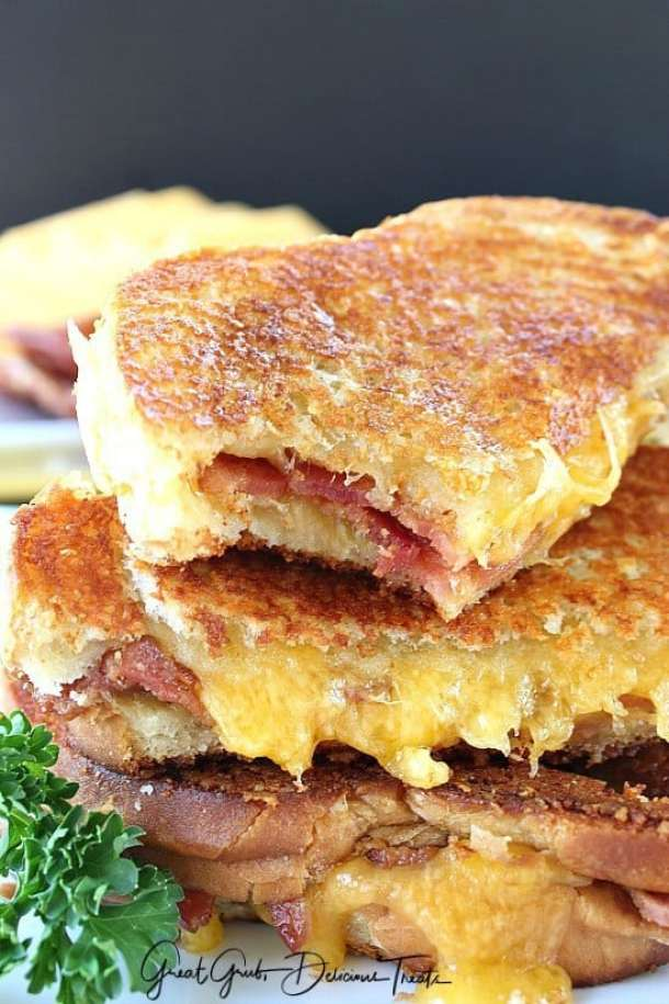 21 Cheese Toast Bacon Grilled Cheese21+ Grilled Cheese Sandwiches that your family will go CRAZY for!