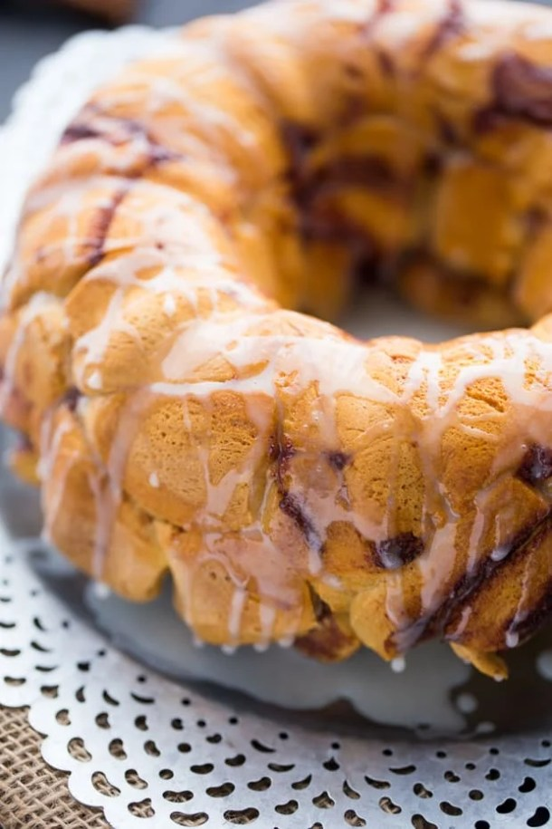 Cinnamon Roll Monkey Bread--Part of The Best Pull Apart Bread Recipes