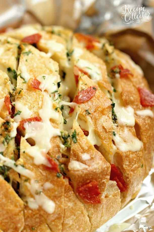 Cheesy Pepperoni Garlic Pull Apart Bread--Part of The Best Pull Apart Bread Recipes