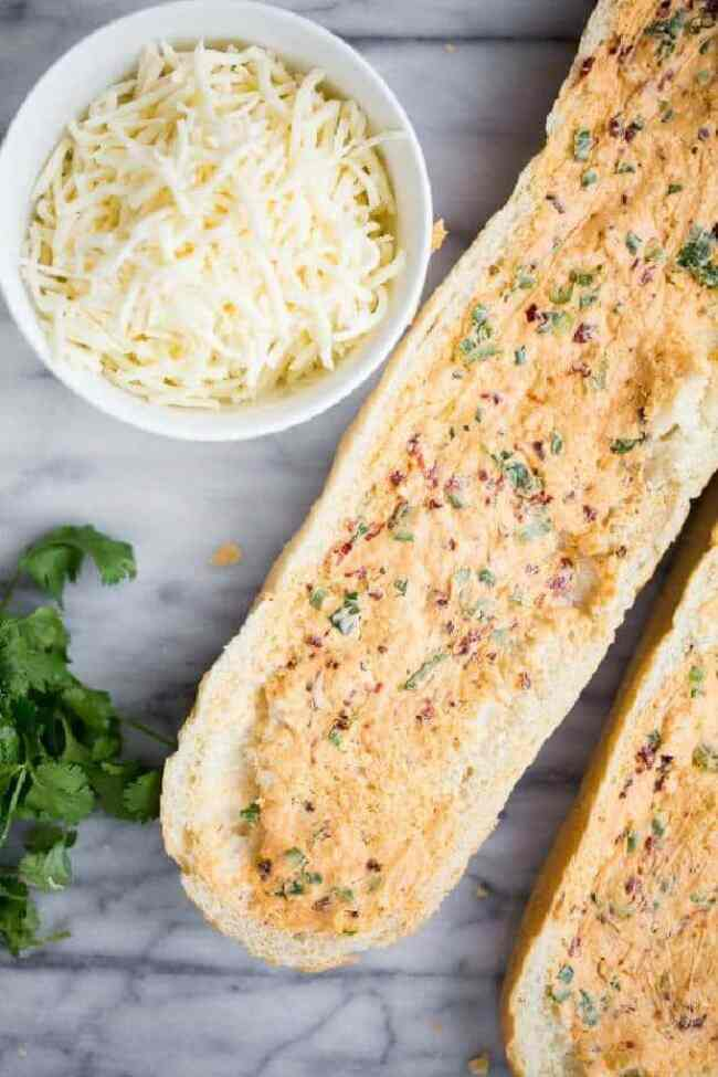 How to Make Chipotle Garlic Bread