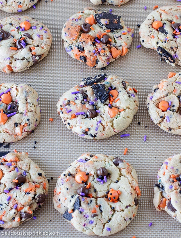 These soft, chewy Oreo Funfetti Cookies are loaded with Oreos, chocolate chips andSPRINKLES, making them a fun Halloween dessert that everyone will love!