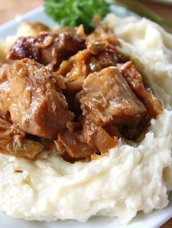 Crock Pot Pork with Mashed Potatoes