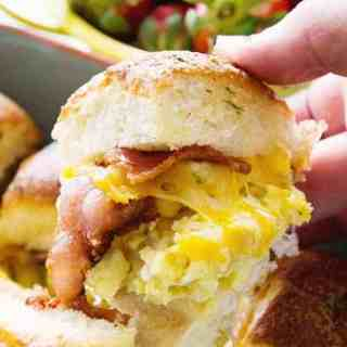 Cheesy Bacon Egg Breakfast Sliders