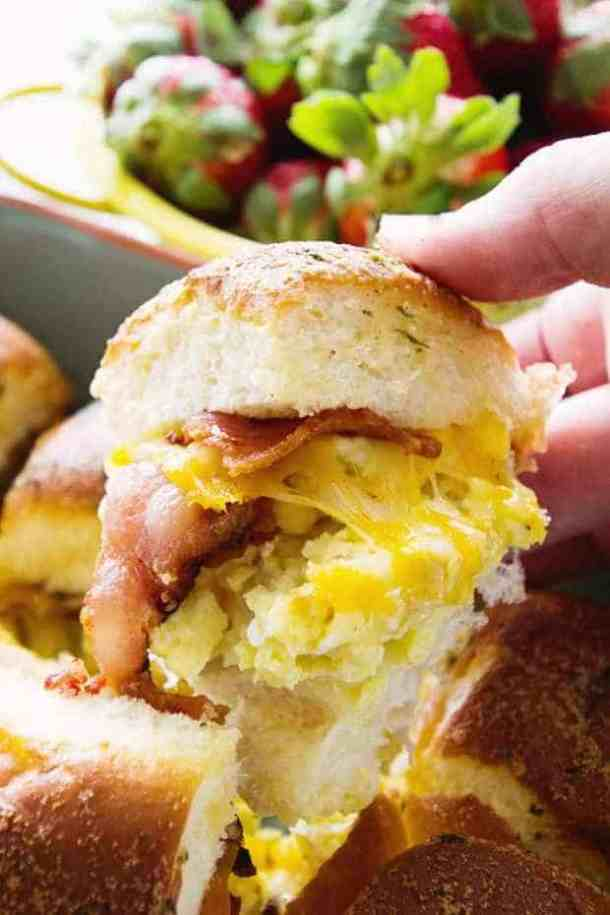 Cheesy Bacon Egg Breakfast Sliders