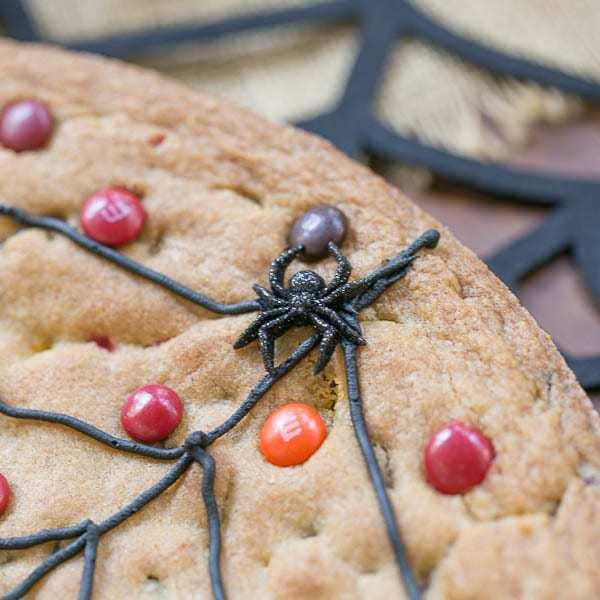 Spiderweb Cookie Cake Recipe