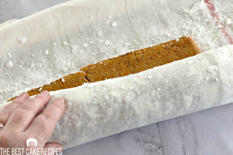 how to roll a cake roll