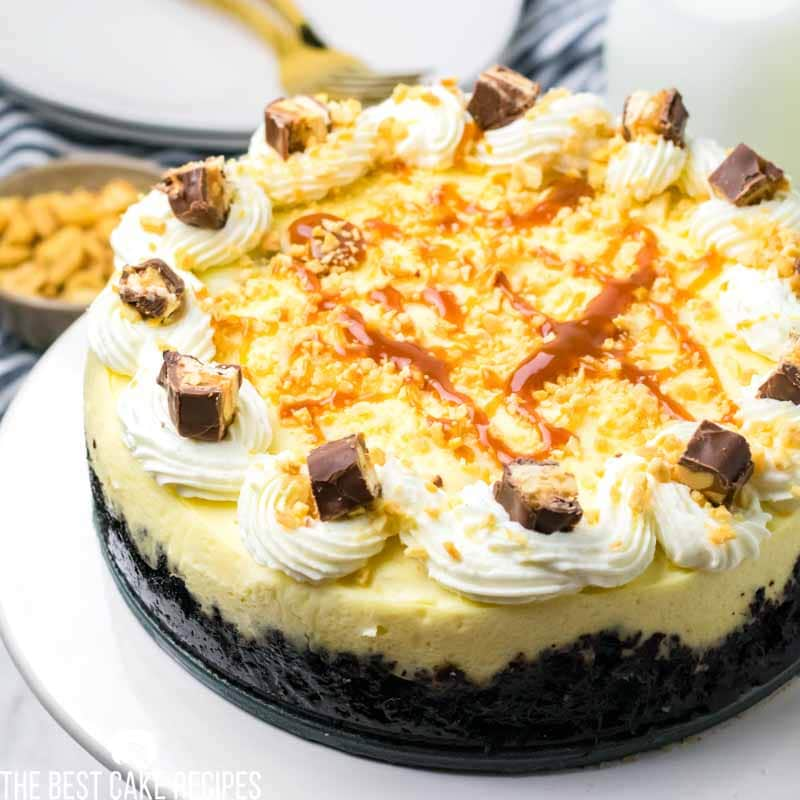instant pot cheesecake with snickers