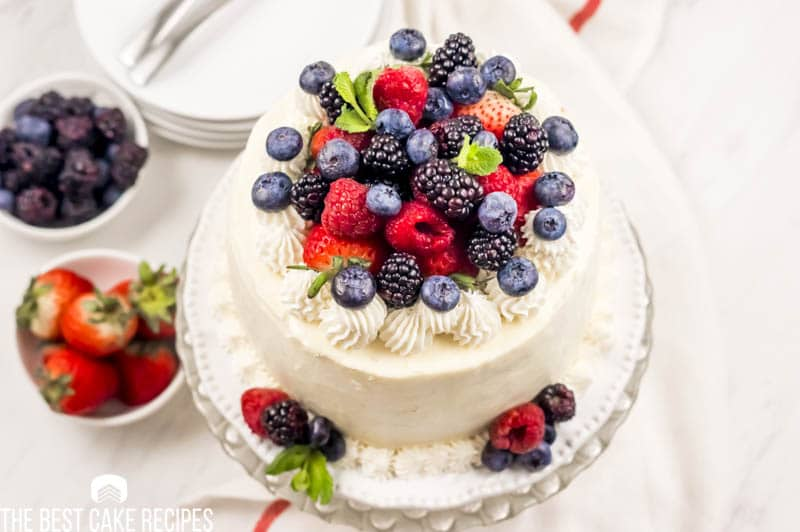 Low Carb Vanilla Cake with fresh berries