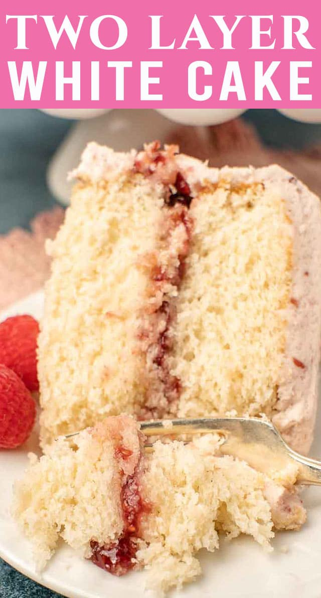 Made with a homemade cake mix, this white cake mix is so simple to put together! Wedding-style white cake has never been so easy or so delicious. via @thebestcakerecipes